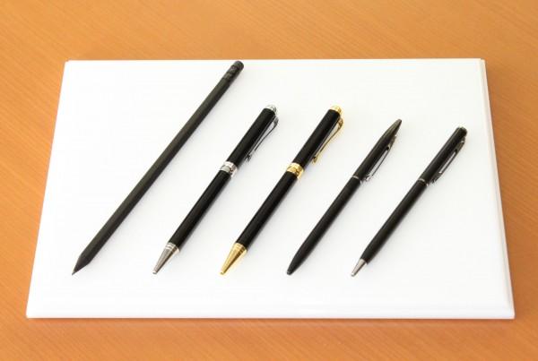 オリジナル名入れボールペン